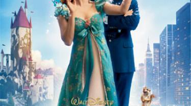 Der er point for idé og udførelse til Kevin Lima og Fortryllet, der pakker den romantiske komedie ganske fantasifuldt ind i en frisk og veloplagt parafrase over det gammelkendte eventyr om pigen, der leder efter prinsen på den hvide hest