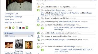 Hundredvis af danske forfattere har det seneste år oprettet en profil på internetsiden Facebook, hvor et nyt litterært netværk har set dagens lys. Det bruges både som professionel kontaktpleje og social livline, men Facebook er også en mulighed for at eksperimentere med nye litterære former og identiteter