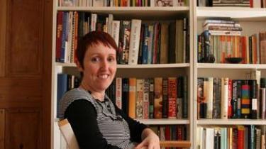 Litteraturnyheder i dagens Information om Catherine O'Flynn, litteraturtidsskriftet Passage og Horace Engdahl