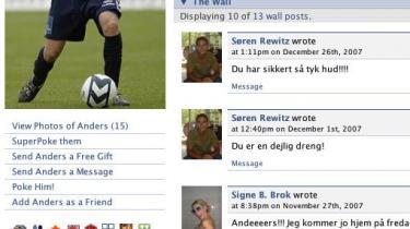 Netværkstjenesten facebook giver dig mulighed for at se andre sider af din yndlingsfodboldspiller