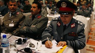 En afghansk politiofficer betaler mellem 30.000 og 100.000 dollar i bestikkelse for at få en topstilling. Og pengene er givet godt ud - de kommer som regel mangefold igen.