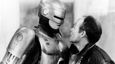 Social indignation møder kulørt overdrev i hollandske Paul Verhoevens satiriske science fiction RoboCop fra 1987