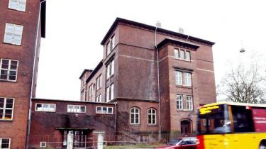 Naboklager og politisk modstand kan fortsat stikke en kæp i hjulet på de unges ønske om et nyt ungdomshus i Frederiksundsvejens Skole. Venstre vil have folkeafstemning blandt de lokale beboere