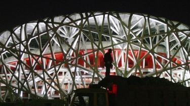 Mens Beijing gør sig klar til det prestigefyldte OL, løsnes grebet tilsyneladende ikke om de politiske kritikere. Styret har rejst anklage mod en dissident for statsundergravende virksomhed.