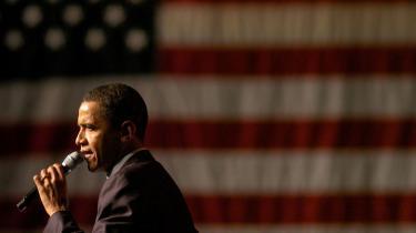 Barack Obama benytter Kennedy-auraen til at gøre indhug i en solid blok af spansktalende amerikanere, der tilbeder Clinton-familien. Men den sorte kandidat har formentlig ikke tid nok