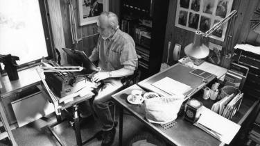 Tre utrykte digtsamlinger af Per Højholt er med næsten 60 års forsinkelse udkommet i digitaliseret form på Det Kongelige Biblioteks hjemmeside