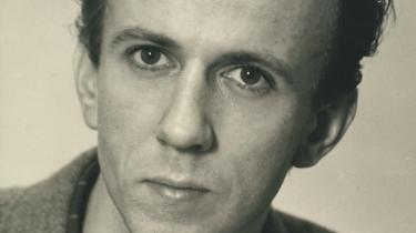 Per Højholt som ung digter omkring 1957. De hidtil utrykte digte, der nu er blevet offentliggjort daterer sig helt tilbage fra digteren var i begyndelsen af 20-erne.