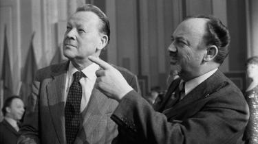 I Jens Otto Krags og Ankers Jørgensens tid tog partiet sig af den politiske kamp, fagbevægelsen af den økonomiske, og sammen med udviklingen af en stor offentlig sektor, som kom den brede befolkning til gode, blev nettoresultatet velfærdsstaten.