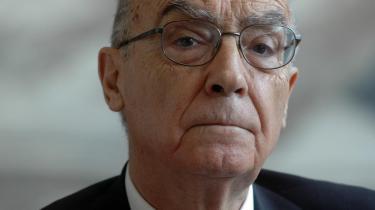 Nobelpristageren José Saramago tager en veloplagt svingom med fru død