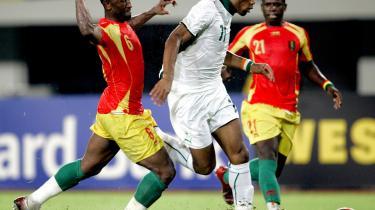 Didier Drogba (m.) nettede i alt tre gange i kampen mod Elfenbenskysten for en uge siden.