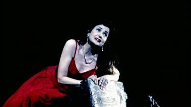 Inga Nielsen var en af de få, der overhovedet har bundet an med det umenneskeligt svære værk, Schoenbergs opera -Erwartung-. Her på Royal Opera House i Covent Garden i London i 2002. Det var et af hendes karrieres højdepunkter.