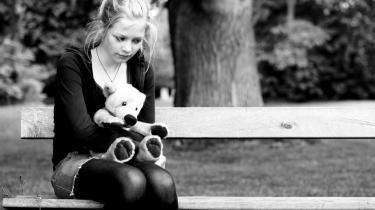 Er et barn, der har svært ved at håndtere socialt samvær og skal have hjælp til det, sygt? Er et barn, der har svært ved at sidde stille og være opmærksom i skolen, sygt? Er et barn, der har ondt i maven, fordi det bliver drillet af de andre børn og skældt ud af læreren, sygt? Model