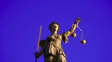 Den dømmende magt sættes ud af spillet, når en minister kan foretage administrative udvisninger uden domstolskontrol.