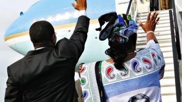 USA's præsident Bush deler vandene undervejs på sin rejse til fem udvalgte afrikanske lande
