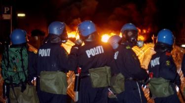 Ib Bondebjerg nævner filmen -113 skud- om urolighederne på Nørrebro den 18. maj 1993 som et eksempel på den klassiske undersøgende dokumentarfilm, der både satte dagsorden og havde høje seertal.