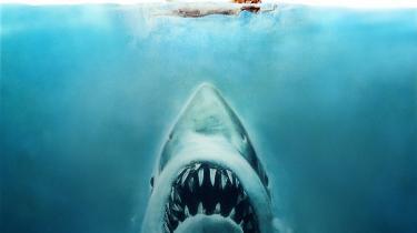 Spielbergs første store blockbuster er stadig en af de mest effektive og mesterligt iscenesatte gyserfilm nogensinde