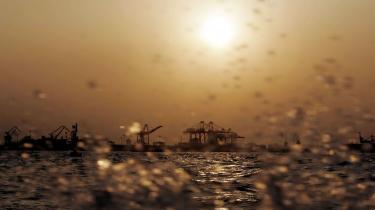 USA og Kina er de to største forurenere i verden. Klima-konferencen i København i 2009 vil være meningsløs, hvis USA og Kina som hidtil kun nølende og modstræbende vil samarbejde. Her smog ved Yangtze-floden.