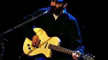 Det amerikanske band Eels med Mark Everett i front spillede på Gamle Scene i Det Kongelige Teater lørdag aften.