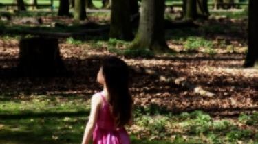 Når forældre har krigstraumer, rammer det også børnene. Angsten og depressionerne forplanter sig til næste generation, som igen fører traumerne videre til den kommende generation
