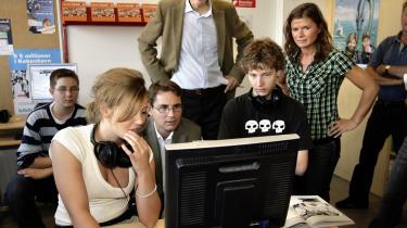 Kulturminister Brian Mikkelsen var i 2006 på Brønshøj Skole for at præsentere hjemmesiden om kulturkanonen. Men de fleste skoler bruger tilsyneladende ikke kulturkanonen i undervisningen.