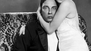 Det er ikke så underligt, at det moderne menneske alt for ofte har ondt i kærligheden. Måske arrangerede ægteskaber kunne bringe den tilbage?