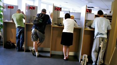 Også i København skal tre nye jobcentre sørge for, at mødet med systemet kommer til at handle om job frem for forsørgelse. Her ventetid hos ydelsesservice.