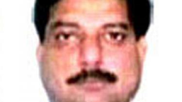 Indisk politi har licens til at dræbe forbrydere. Men i sidste uge gik det galt for Rajbir Singh, Delhis måske største specialist i 'hændelige drab' i Indiens menneskemyldrende hovedstad