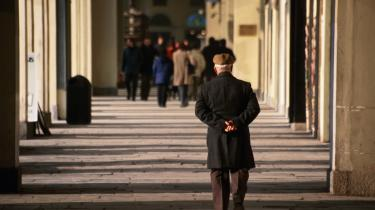 Italiens ældre kan ikke overleve på pensionen og tyer til butikstyveri for at spæde pensionen op. Det i sådan en grad, at de nu står for flere butikstyverier end unge.