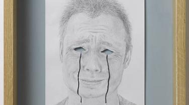 """Han arbejder med papirklip og forsøger at udvikle mulighederne for papirets transformation fra det to- til det tredimensionelle udtryk. Peter Callesen er aktuel med udstillingen """"Paperman"""" på Helene Nyborg Contemporary"""