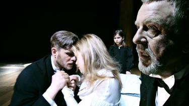 Henning Jensens gamle Borgen møder oprigtigt og rystende sin egen tvivl i Kaj Munks -Ordet- - på trods af Lars Noréns konstruerede og intellektualiserede iscenesættertvivl.