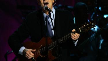 James Taylors sange kan sagtens klare sig uden det store forkromede akkompagnement, så længe ophavsmanden bidrager med sit suveræne guitarspil. Arkiv