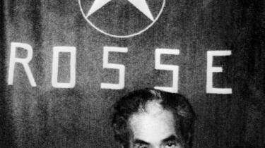 Italiens tidligere ministerpræsident Aldo Moro blev den 16 marts 1978 kidnappet af den venstreorienterede gruppe De Røde Brigader. Her ses han under sin kidnapning den 20. april 1978. Han blev fundet død den 9. maj.