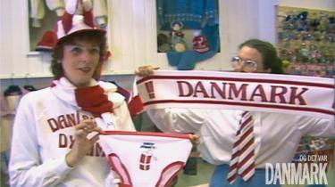 Fodboldfest. '... og det var Danmark' tager publikum på en begejstret og nostalgisk tur tilbage til de 13 gyldne år i dansk fodbold, 1979-92, hvor det danske fodboldlandshold første gang kunne måle sig med selv de bedste