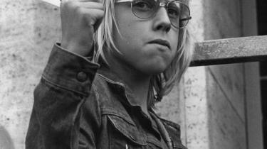 Opvækst. Lars Bukdahl har aldrig besøgt et '68-kollektiv og kender intet til '68-generationens svigt: 'Jeg voksede op i en veletableret Thylejr, symbolet på det etablerede, progressive '68, hvor der ikke var problemer med vandet, eller med at man ikke kunne finde ud af, hvem der var ens mor og far den dag'
