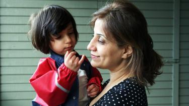 En novellesamling om kvinders rettigheder kostede den iranske forfatterinde Soudabeh Alishahi dyrt. Hun blev fængslet, voldtaget og tortureret. I dag bor hun i Norge sammen med blandt andet sin datter under fribyordningen, og hun tvivler på, at hun nogensinde vender tilbage til Iran.