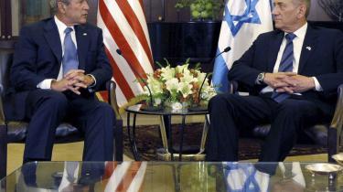 George W. Bush (t.v.) og Ehud Olmert mødtes i går i Jerusalem i Israel.
