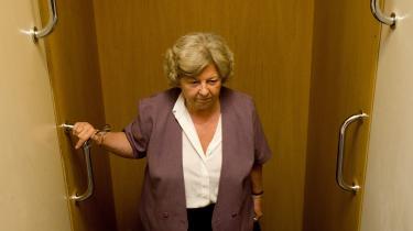 Umiddelbart kunne man tro at Rønn Hornbech med sin kronik har set sit snit til at skabe en passende sag, ved hvilken hun gesvindt kan slippe ud af bagdøren med æren i behold.