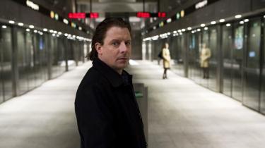 Anders W. Berthelsen spiller hovedrollen i Søren Kragh-Jacobsens nye politiske thriller -Det som ingen ved-. Filmen er ikke med i det officielle program i Cannes, men vises på festivalens markedsdel.