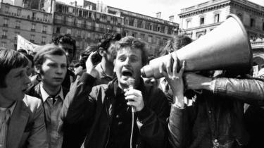Dany Cohn-Bendit i Paris i maj 1968. Cohn-Bendits tilhængere var blandt Vestens skarpeste kritikere, mens 68-generationeni Warszawa og Prag gjorde oprør mod Sovjets tyranni.