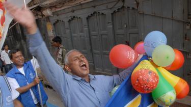 Nepals overgang fra kongedømme til en republik blev i går fejret i Nepals gader.