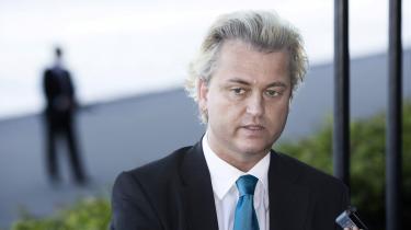 Den hollandske -provopolitiker- Geert Wilders var mandsopdækket af bodyguards, da han søndag gæstede Danmark og mødte pressen på Hotel Marriott. -Min kamp for frihed har kostet mig min egen frihed - sikkerhedsfolk følger mig overalt,- fortæller Wilders.