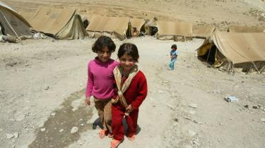 UNHCR anslår, at der i Irak er 2,7 mio. interne flygtninge og 2 mio. i nabolandene. Hvis alle lande begynder at presse på for at få sendt flygtninge tilbage til Irak, vil det skabe yderligere ustabilitet, vurderer UNHCR
