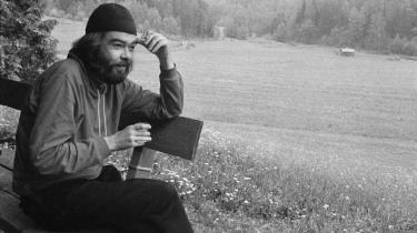 Sprogerotoman. Den finske forfatter Pentti Saarikoksi har i sin egenskab af skolet klassisk filolog båret de døde sprogs ord- og tankeverden med sig og inddrog dem i sit omfattende oversætterarbejde.
