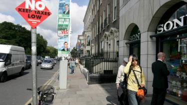 Gadebilledet i Dublin er præget af ja- og nej-plakater forud for EU-afstemningen på torsdag. I skrivende stund er nej-siden lidt foran.