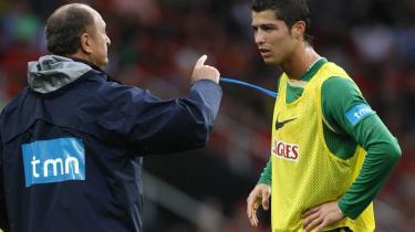 Portugals træner, Luiz Felipe Scolari (t.v.) er blevet eksponent for en slags latinsk totalfodbold, hvor alle spillere i princippet kan gå med frem i angrebet. Og så er Scolari endda så heldig at råde over Cristiano Ronaldo (t.h.).