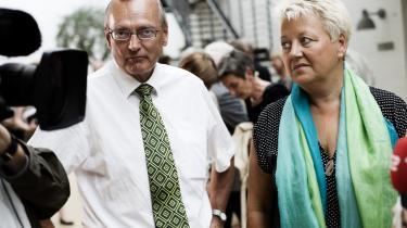 Sygeplejerskenes formand Connie Kruckow og Regionernes forhandler Bent Hansen nåede fredag frem til et forlig, Connie Kruckow kalder -historisk-.