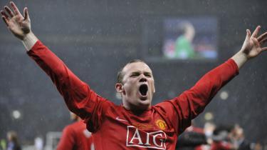 Jean-Jacques Rousseaus (t.v.) så sporten som den kraft, der kunne skabe nationalfølelse og dermed sammenhæng i en nation. Sport var en kunstig stimulans, men det gjorde den ikke mindre væsentlig, mente han. Engelske Manchester United med Wayne Rooney vinder Champions League 2008.