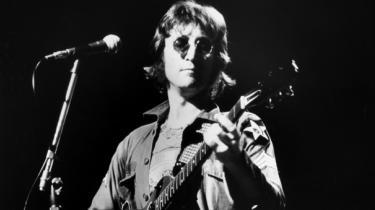 I slutningen af 60'erne fik rockfolket pludselig lov og lyst til at tale ud. En del af anstrengelserne kan læses i 'Rolling Stone Interviewene 1'