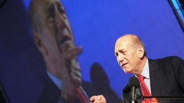 Det mindste onde. Når Ehud Olmert ser ud til igen at ride stormen af, skyldes det, at hans eneste modtræk - et nyvalg - villle bringe Netanyahus Likud tilbage til magten.