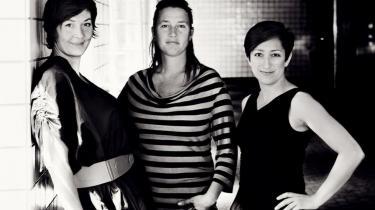 Det er de tre kuratorer Judith Schwartzbart, Solvej Helweg Ovesen og Charlotte Bagger Brandt, som har fået til opgave at skabe en tiltrængt dansk manifestation af samtidskunst.